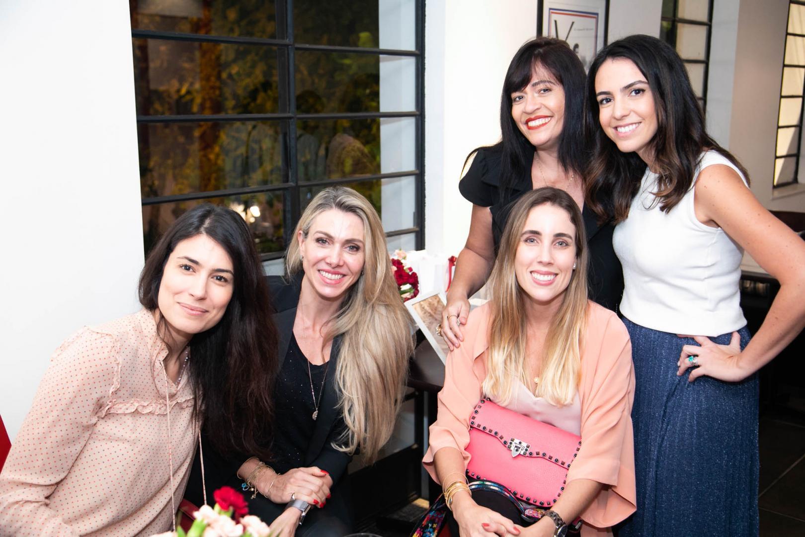 Fernanda Camino lança coleção de joias