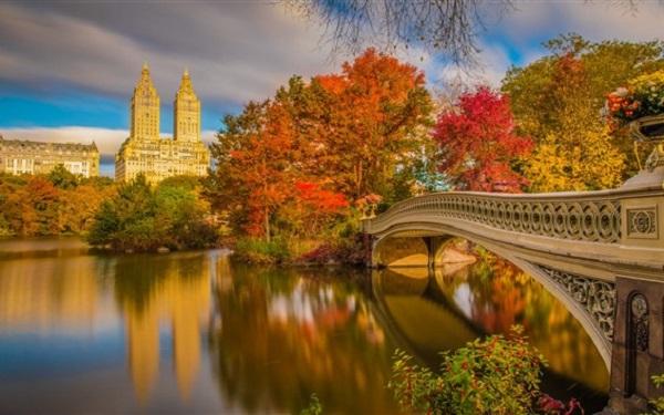 O Central Park, em Nova York, veste-se em tons de laranja e amarelo a cada outono. Um passeio inesquecível
