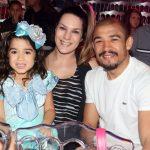 José Aldo com a mulher Vivianne Oliveira e a filha Joana