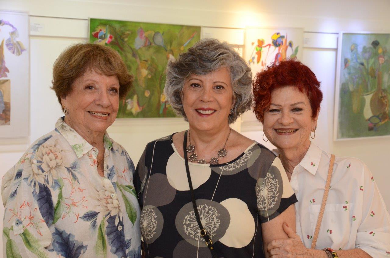 """Marilene Tapias apresenta seleção inédita de pinturas na exposição """"Pra não dizer que  não falei das flores…"""""""