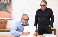 Arthur Casas lança livro no Rio