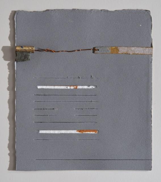 desenho e colagem sobre papel de arquivo recortado