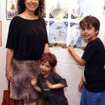 Barbara e seus filhos Lucas e João Ventura - o mais velho