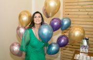 Denise Grassi  festeja aniversário com festão na Barra