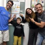 Mariano Di Calafiori com seus pais e padrinho - Claudio Lins, Alexandra di Calafiori e Renato Rabello