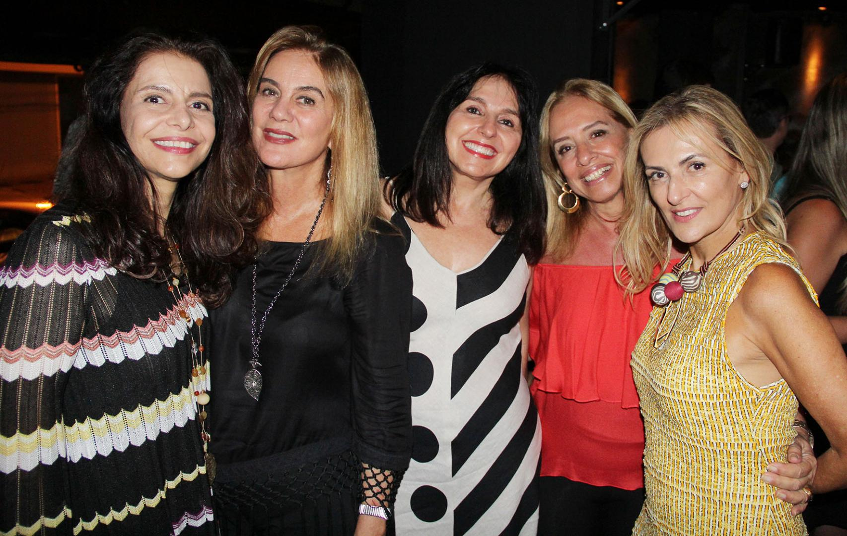 Teresa Simões comemora aniversário no Black Bar