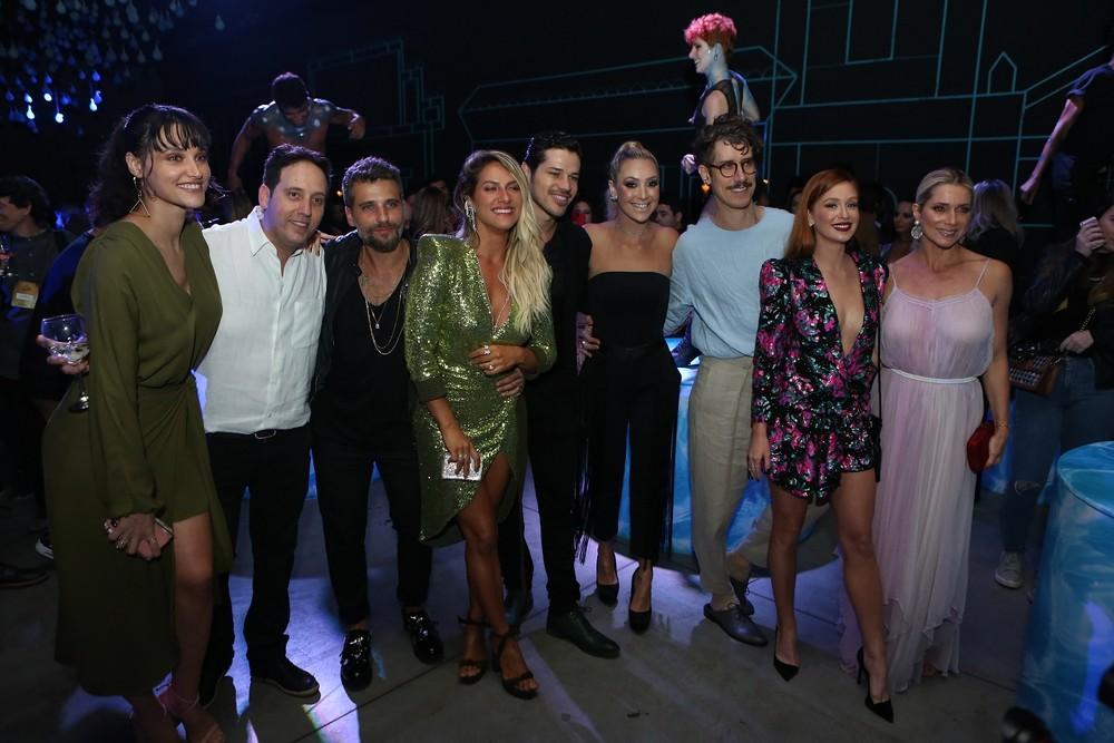"""Elenco e autor participam da festa de lançamento de """"O Sétimo Guardião"""""""