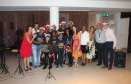 Jovens da São Martinho fazem apresentação musical para Cônsul Britânico e convidados