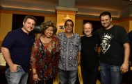 Zeca Pagodinho e Alcione cantam juntos no Rio