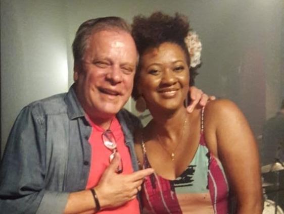 Chico Pinheiro prestigia show de Nilze Carvalho