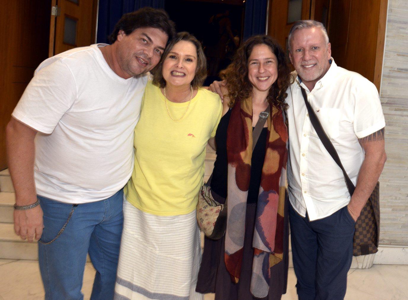 Louise Cardoso estreia seu primeiro monólogo
