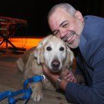 Marcus Montenegro e sua cadela Golden Retriever Luciana