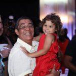 Zeca com a neta Catarina
