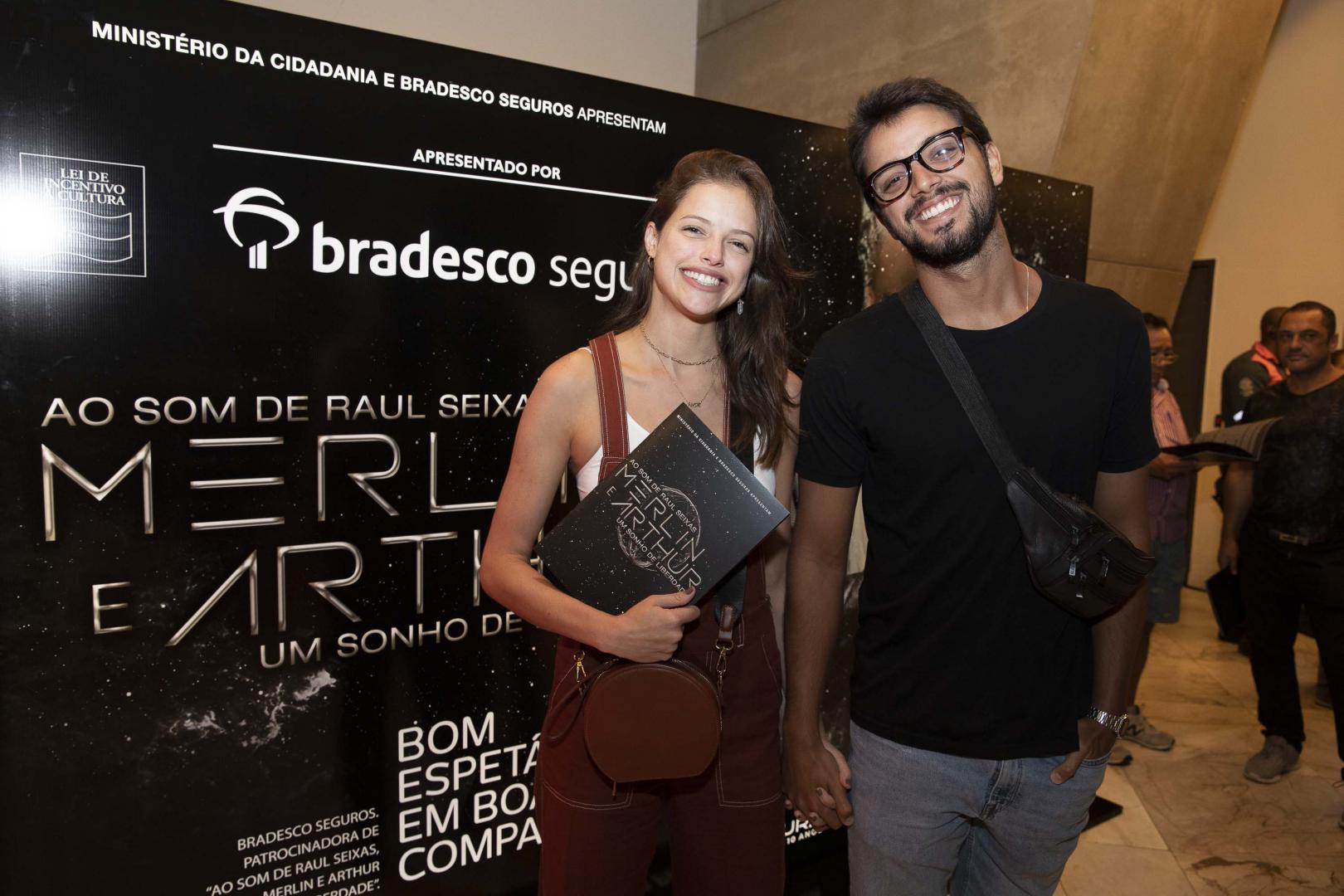 """Pré-estreia do Musical """"Merlin e Arthur, Um Sonho de Liberdade"""" reúne famosos no Rio"""
