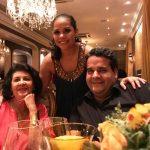 Carol Murta Ribeiro e Tatty Caldeira com Cyrano Sales