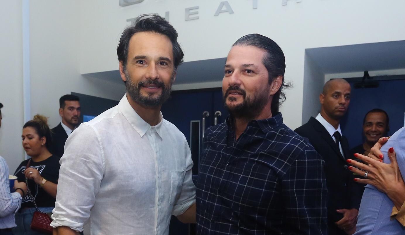 Rodrigo Santoro recebe convidados na pré-estreia carioca de O Tradutor