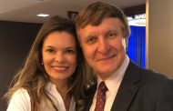 Cirurgia plástica Palmyra Geissler  participa do Dallas Cosmetic and Rhinoplasty Symposium nos EUA