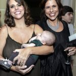 Julia e Raphael Klevenhusen com Renata Magalhães