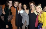 Famosos prestigiam show de Leila Pinheiro no Teatro Oi Casa Grande