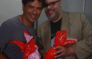 Jorge Vercillo e Ed Mota trocam Ovos de Páscoa