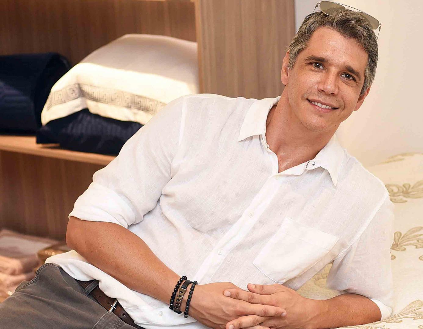 Márcio Garcia inaugura primeira loja de colchões SEALY no Brasil