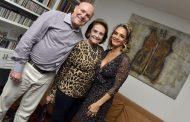 Cristina Midosi ganha jantar em comemoração a seu aniversário