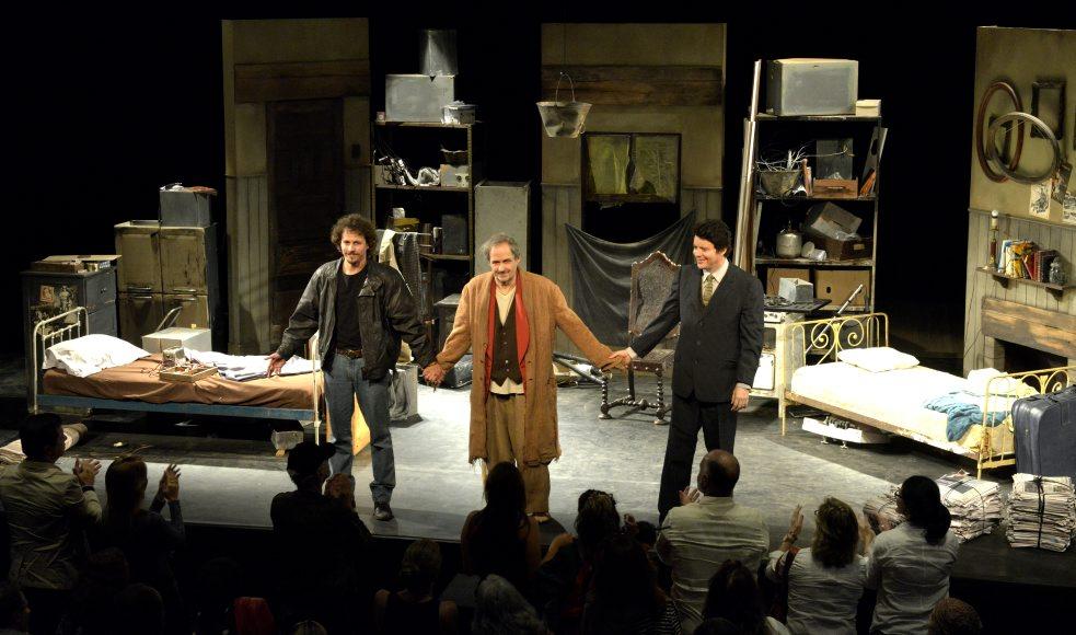 """Reestreia da peça """"O Inoportuno"""" agita o Teatro Petra Gold"""