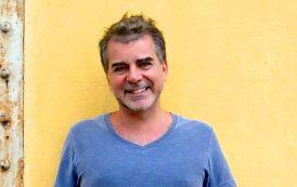 Antonio Villeroy se apresenta no Manouche