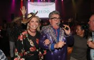 Arraiá agita a Casa de Festas Lajedo com apresentação da cantora Lucy Alves