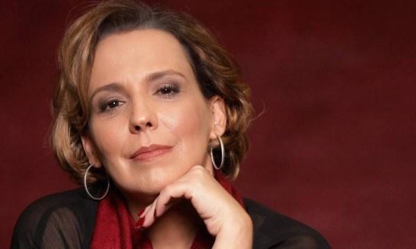 Ana Beatriz Nogueira comemora 35 anos de carreira estreando seu novo espetáculo