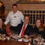 Andrea Repsold, o chef Dino Piselini, Rawlson de Thuin e a consul do Canada, Evelyne Coulombe