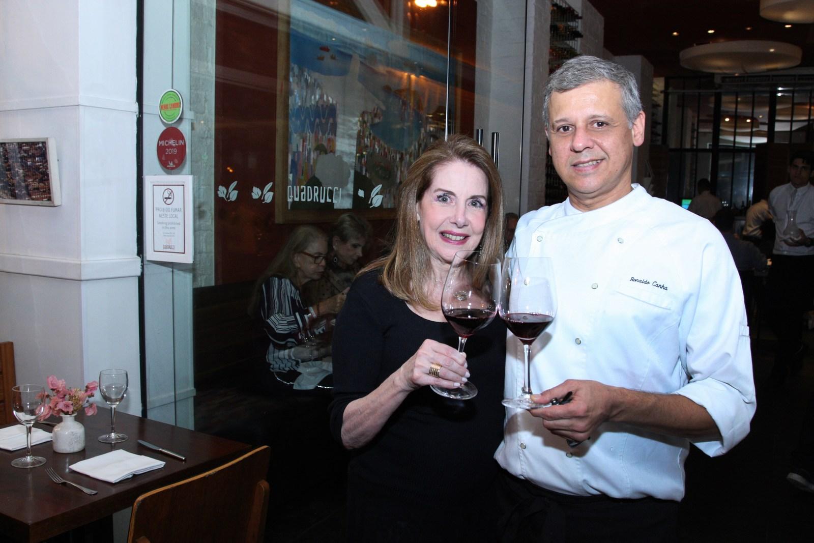 Tarde de vinho e alta gastronomia