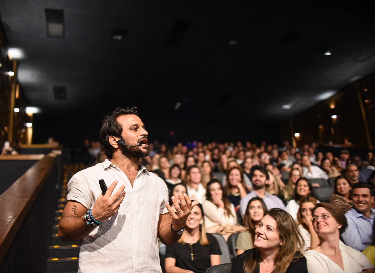 Pedro Salomão se apresenta no Rio de Janeiro com a palestra Empreendendo Felicidade
