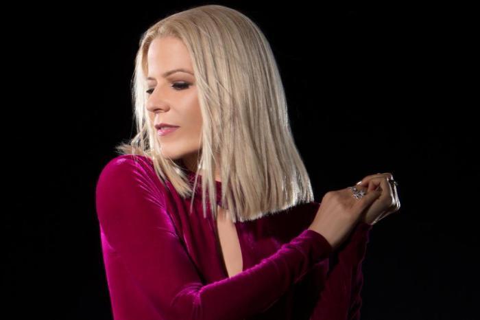 Paula Toller rompe ligação mercadológica com Kid Abelha em novo single