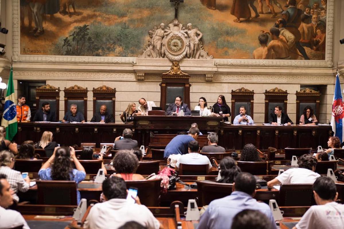 Vereadora apresenta levantamento da CPI das enchentes