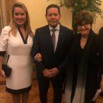 Casal Hamilton Mourão e Rita Maria Pontes, sobrinha da nova Santa e presidente das Obras Sociais da Irmã Dulce