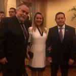 Cláudio Magnavita e o casal Hamilton Mourão, ele vice-presidente do Brasil