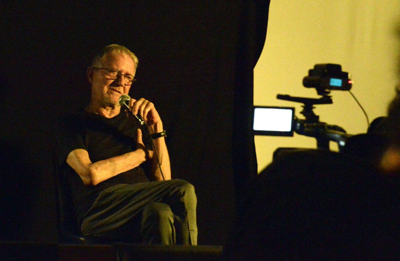 Escola de Cinema Darcy Ribeiro homenageia Jean-Claude Bernardet em sessão especial de cineclube