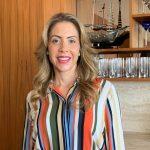 A anfitriã Luciana Rique no belo apartamento da Delfim Moreira