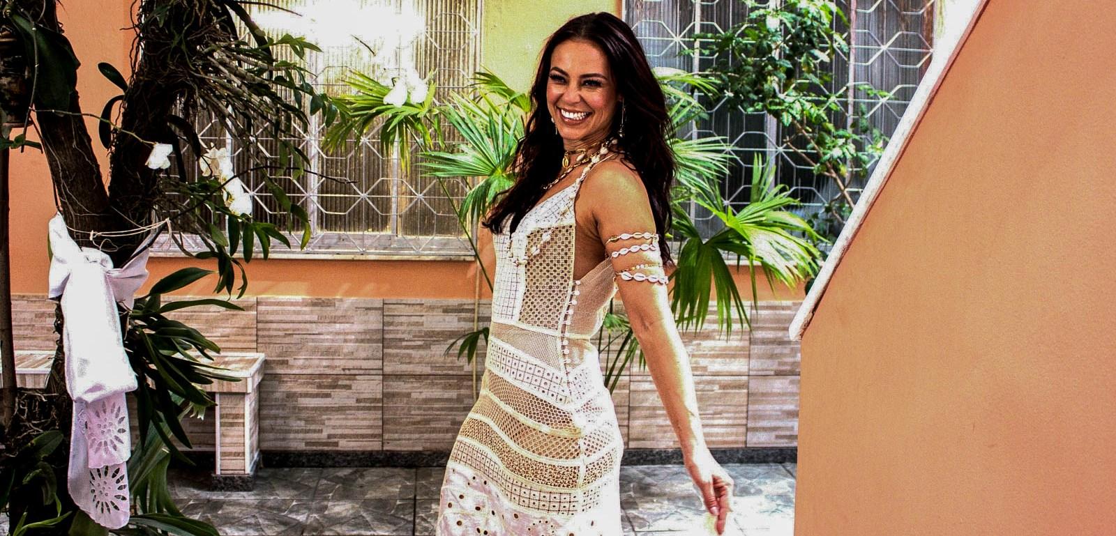 Paolla Oliveira participa da gravação de clipe da Grande Rio