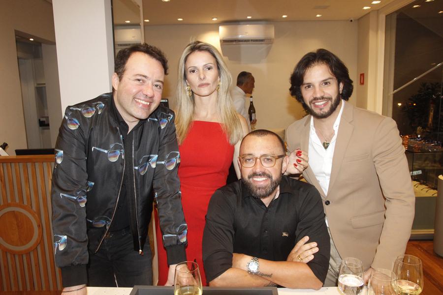 Coquetel de inauguração da Ótica Gustavo Eyewear em São Paulo