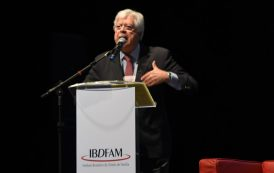 Paulo Lins e Silva participa de congresso de juristas no Chile