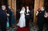 Evelyn Montesano e Rodrigo Hartz se casam no Mosteiro de São Bento