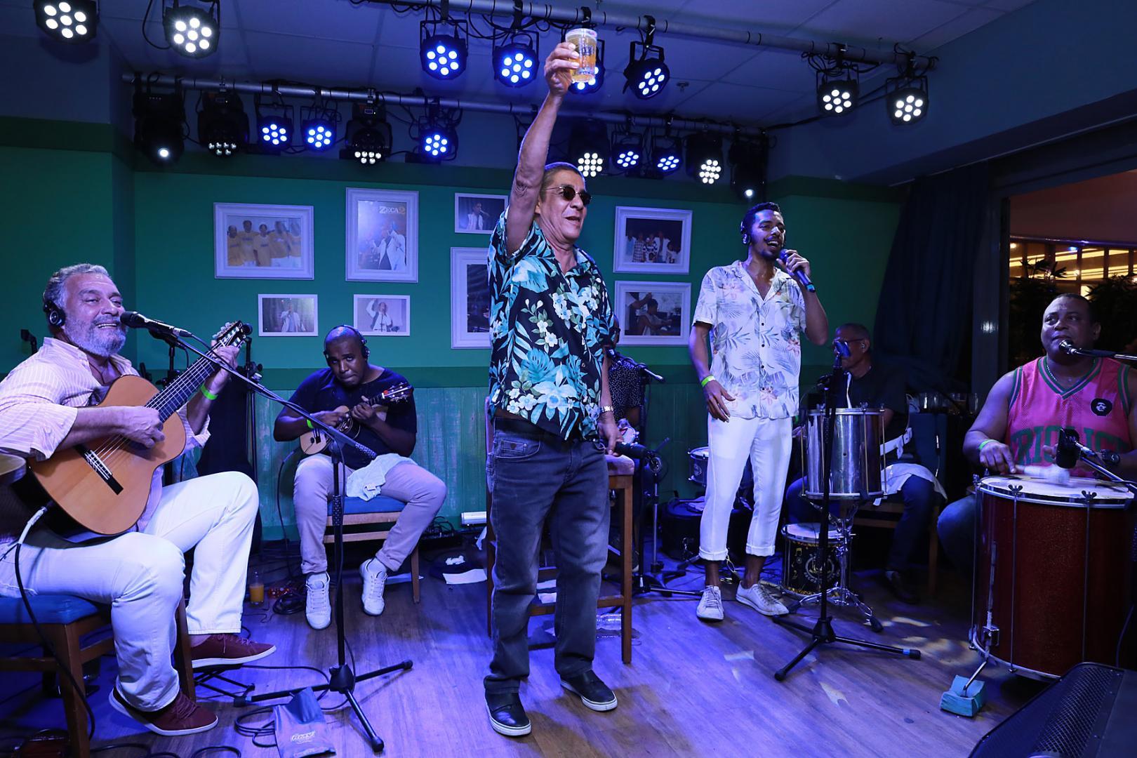 Bar do Zeca Pagodinho celebra 1 ano com festa na Barra