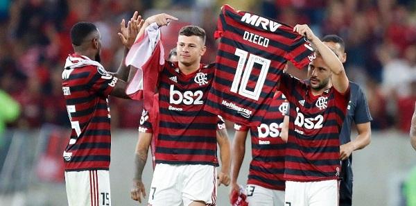 O delírio justificado da torcida rubro-negra diante da vitória do Flamengo sobre o River Plate, em Lima, Peru