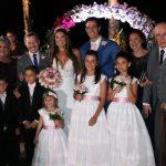 Os noivos Elaine Azevedo e Wanderley Severo e familiares
