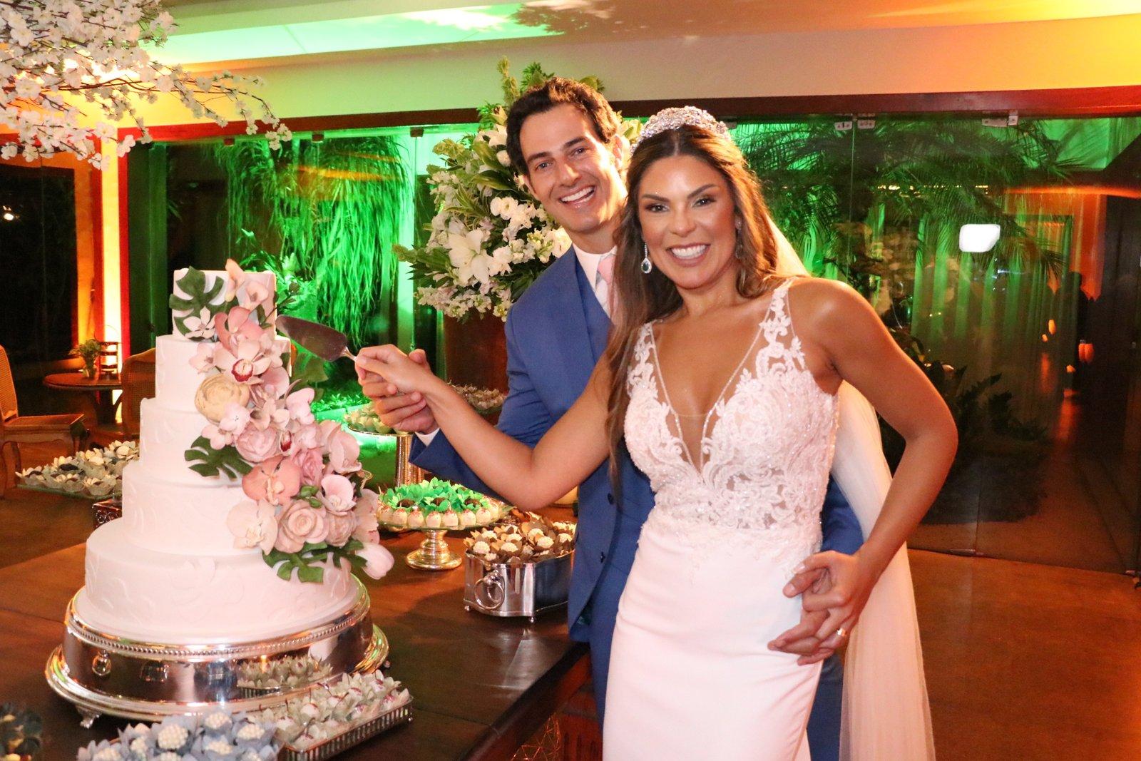 Elaine Azevedo se casa com Wanderley Severo no Rio