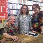 Luis Artur, a poeta Alice Monteiro e a editora Thereza Rocque da Motta