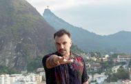 Gustavo Macacko se apresenta no Dumont Arte Bar