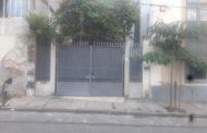 Moradores de Santa Teresa pedem providências à Prefeitura por esgoto a céu aberto